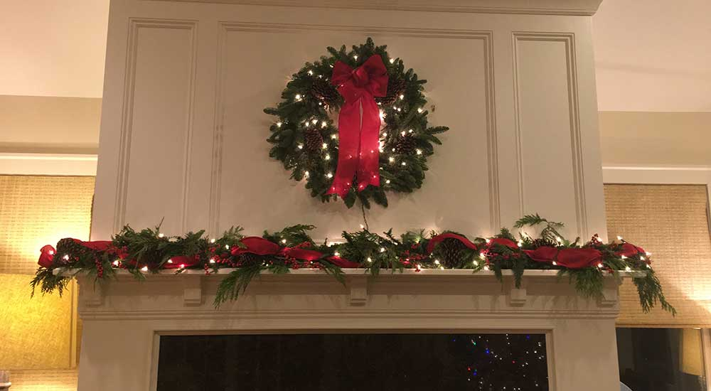 An Organized Life - Holiday Decor - Mantle